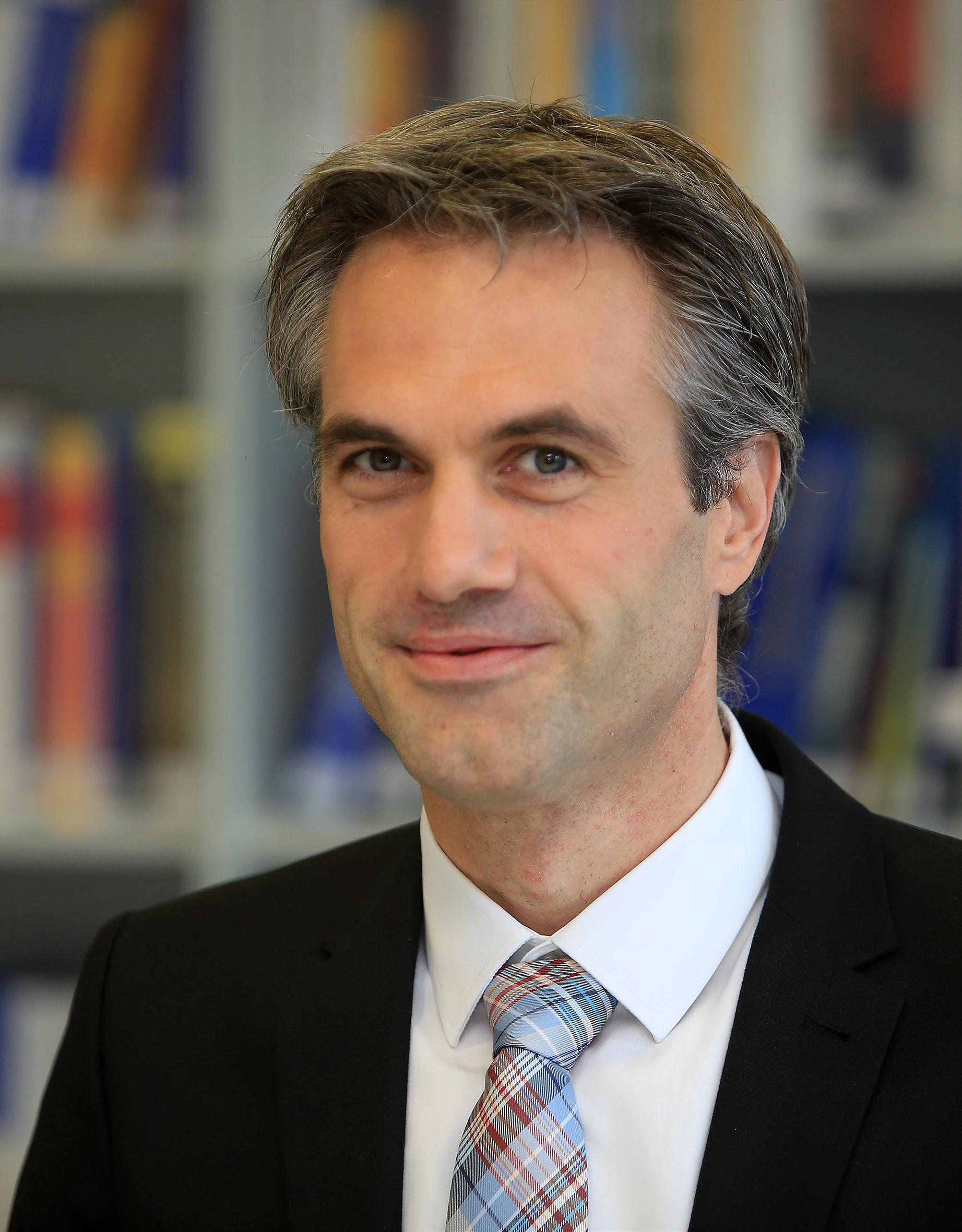 Espresso Tutorials: Prof. Dr. Peter Preuss